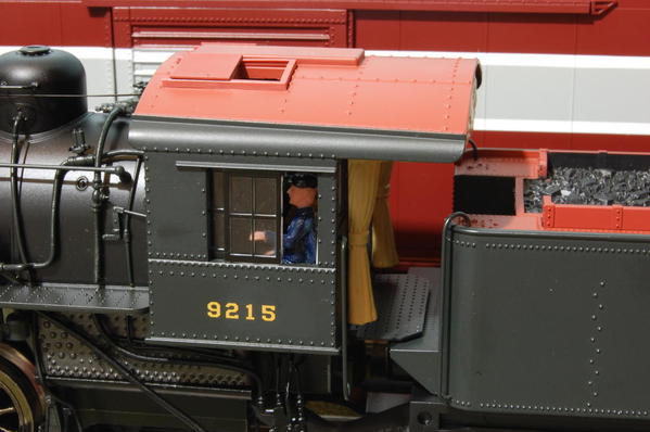 Atlas PRR B28 cab w-engineer