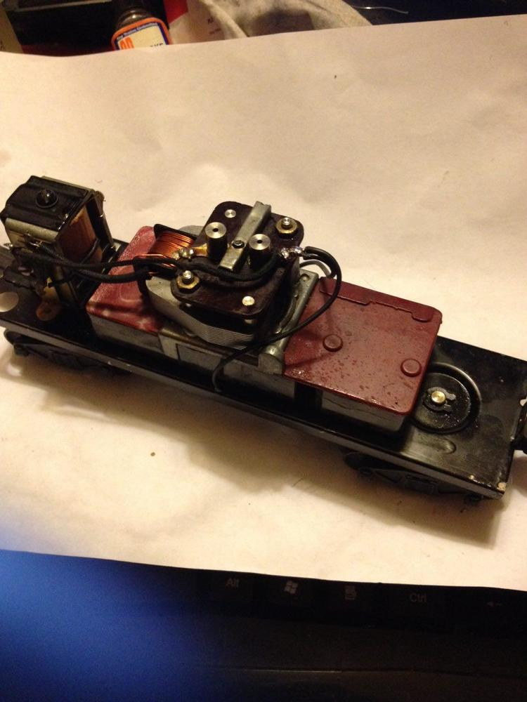 Crazy Wiring Surprise! (Lionel Postwar 2046W) | O Gauge Railroading On Line  ForumO Gauge Forum