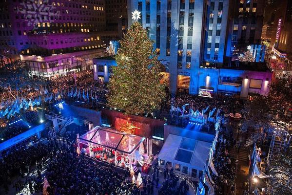 83rd-rockefeller-center-tree-lighting-2015