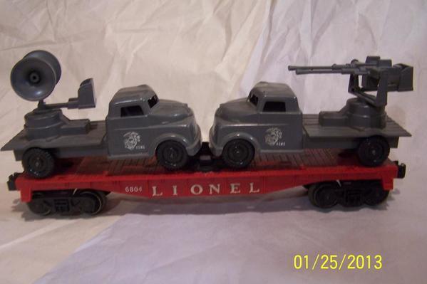 IM000171 Lionel Post 6804 Flatcar w Radar Truck, AA Gun Truck