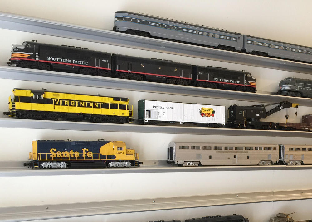 box listing railroad showcase model shelf train case ho display il