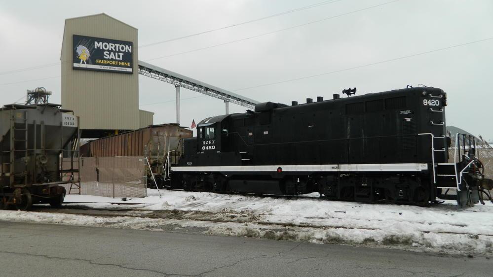 HZRX Horizon Rail GP10-1 #8420 Working Grand River Railway