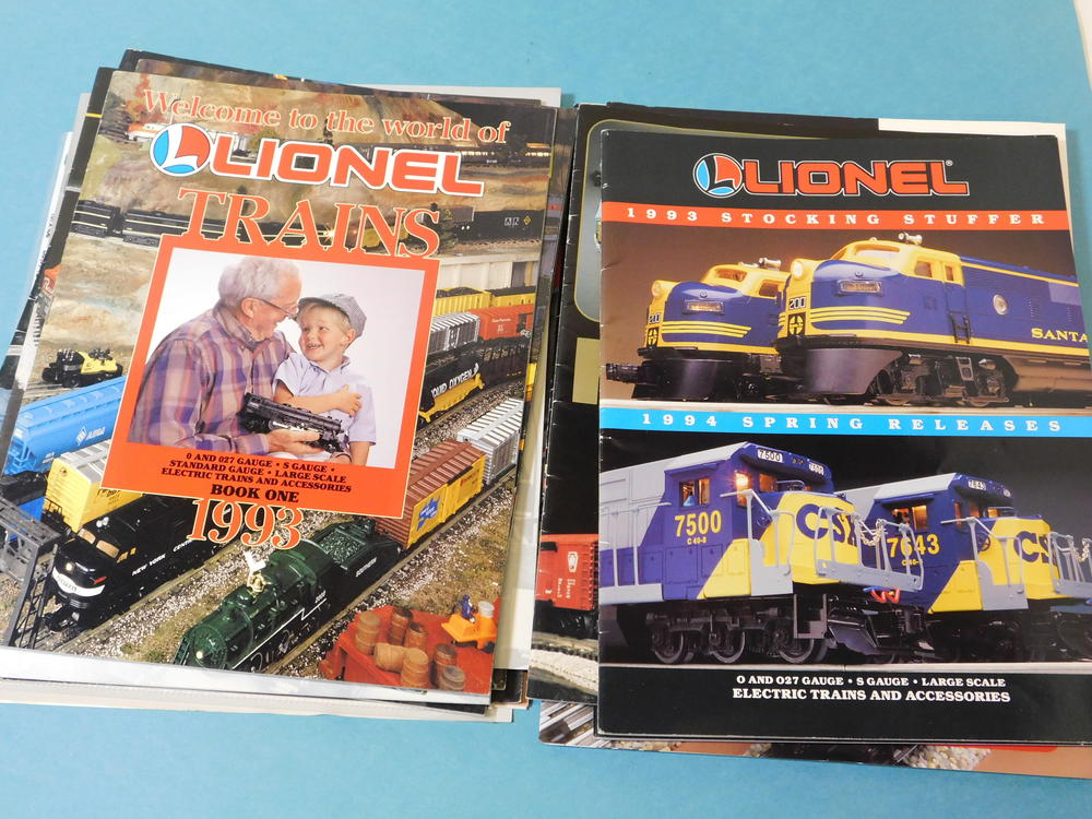 k line and lionel catalogs from the 1990 39 s see pics 25. Black Bedroom Furniture Sets. Home Design Ideas