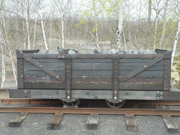 Mine Car with Coal 005