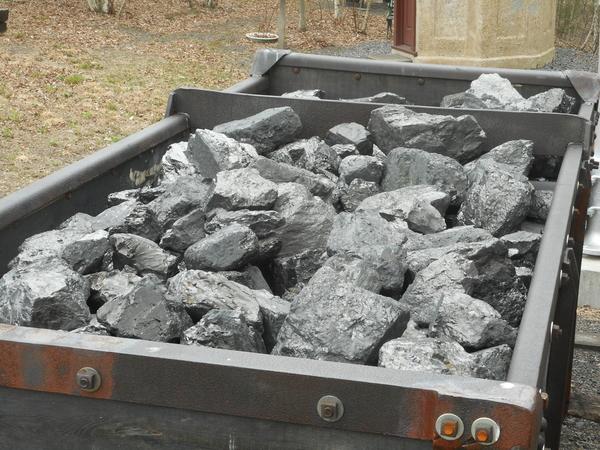 Mine Car with Coal 003
