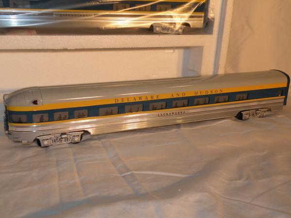 Weaver 1221L DELAWARE & HUDSON 80' Scale Alum 5-Car Set, NIB [1993) SAMPLE PHOTO2