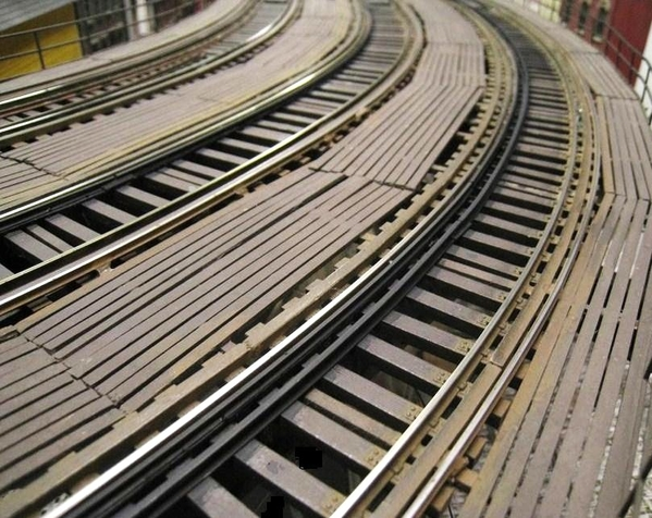 curved-local-track-and-guard-rail-details_5452264839_o