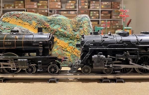 Marescot Etat Pacific and Lionel 700E scale Hudson 6