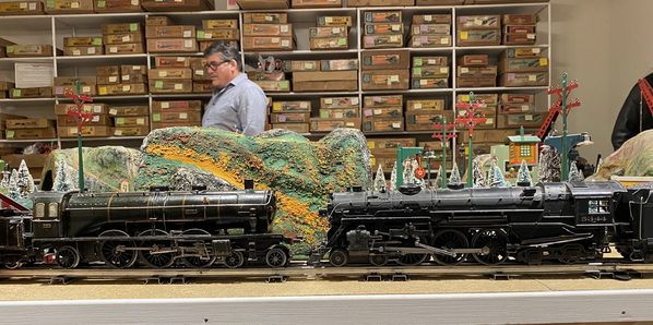 Marescot Etat Pacific and Lionel 700E scale Hudson