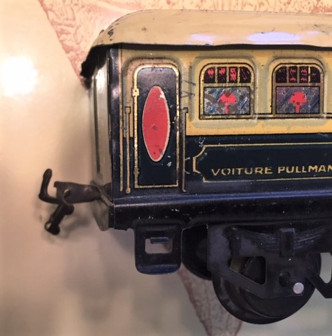 Hornby Pullman early roof drop link coupler