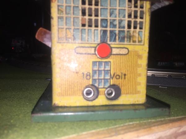 Bing Transformer 2c Circuit breaker sign?