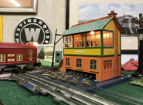 Hornby Signal Cabin lighted