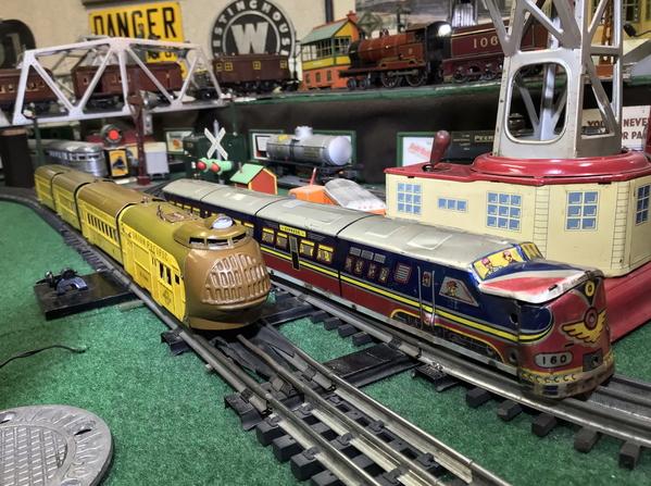 Elenee Toys Comet Streamliner 3