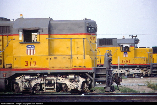 EMD GP9 UP 317