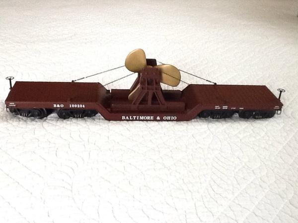 K692-1091 B&O # 100234 60' Scale 16-Wheel Die Cast Flat Car with Boat Propeller - ACTUAL PHOTO1