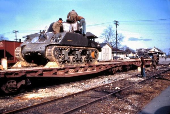 Flatcar-ArmyTank-M4Sherman1960ArtHuneke