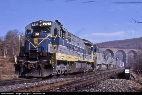 GE U33C D&H 753