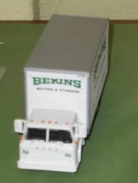 Athearn Bekins Front