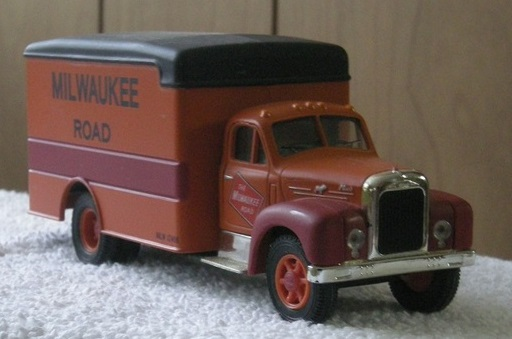 Corgi Milwaukee Road truck right front