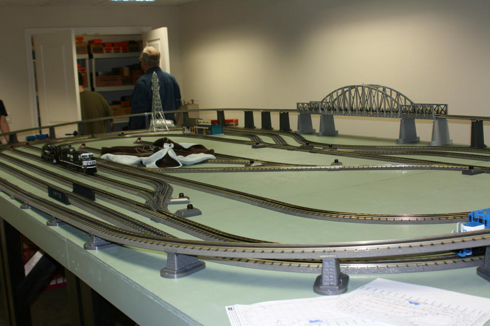 HO Model Train Layout Plans also HO Model Train Mountain Layouts additionally Bachmann DCC Reverse Loop Module together with HO Scale Model Train Layouts in addition Bachmann E Z Track HO Scale Layout Plans. on o scale lionel wiring diagram