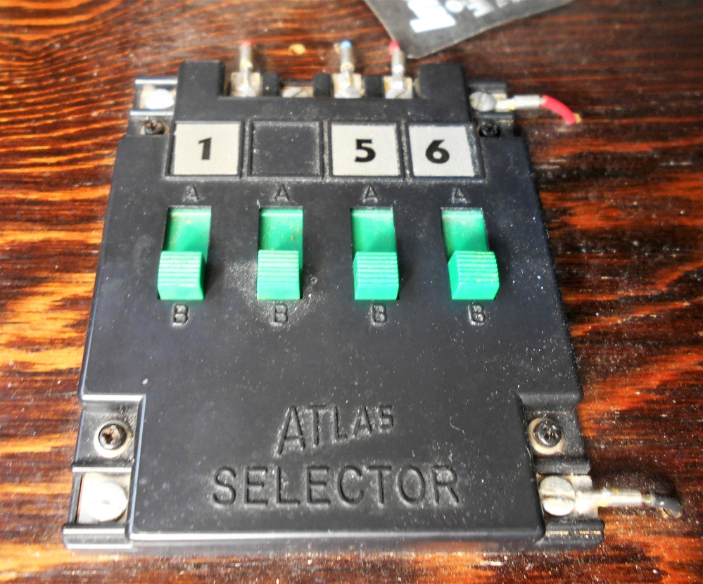 atlas electrical controllers 215 o gauge railroading on. Black Bedroom Furniture Sets. Home Design Ideas