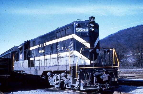 5684 Y60 GP7 COLOR [Howard Fogg scheme) ~1960