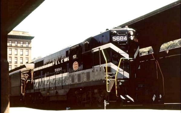 5684 Y60 GP7 COLOR ~1960 [Howard Fogg color scheme)