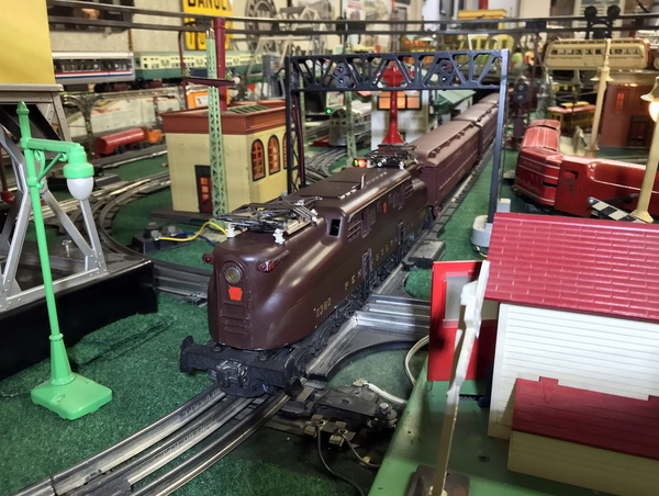 Lionel 2360 GG1 on layout