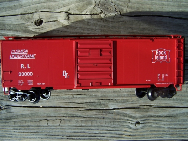 Weaver U2113 Rock Island PS-1 40' Box Car #33000 [Vermillion Red) - PHOTO2