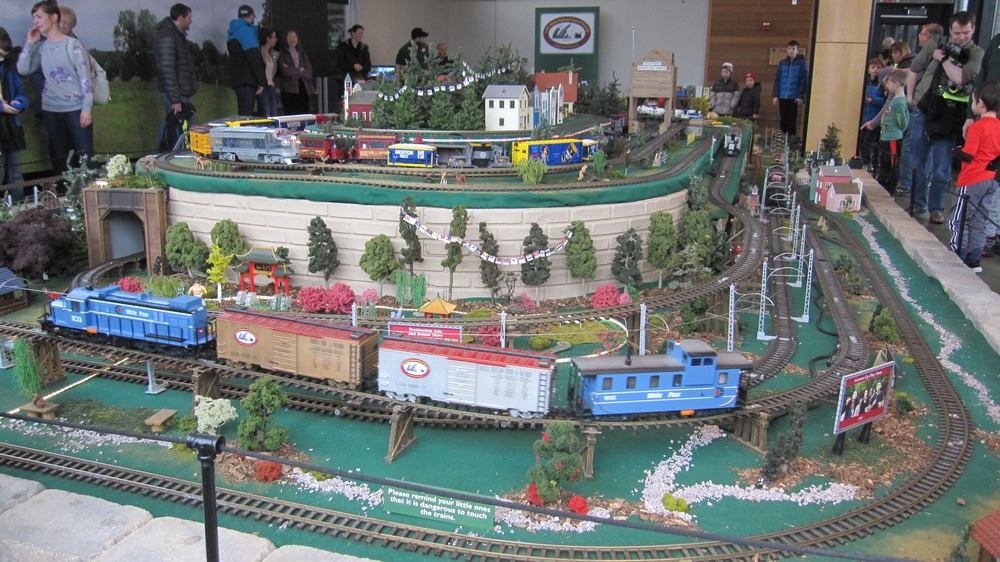 Excellent LGB Club of Chicago layout | O Gauge Railroading On Line Forum