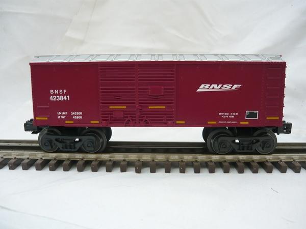 BNSF 027 box car