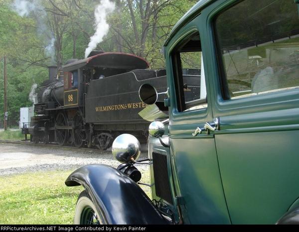 WWRR 98 & 1932 Model A Ford