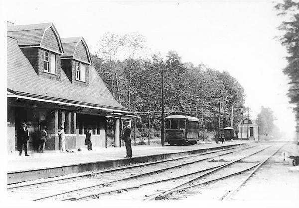 Huntington RR Car @ Huntington Train Station [1)
