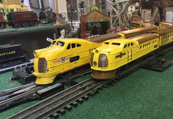 Flyer and Lionel UP streamliners 2