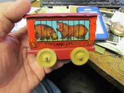 hippo circus car
