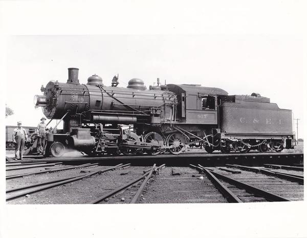 roundhouseturntable momence june12,1926C&EI H-6 2-8-0 #915