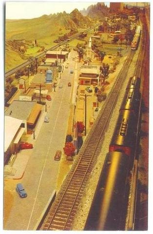 Post_Card_CA_Museum_Layout_2