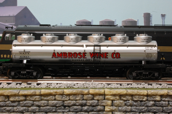 3rd Rail 6-dome tank-side