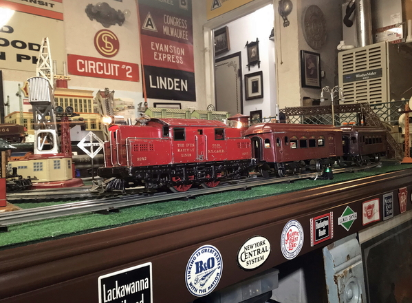 Ives 3242 red train