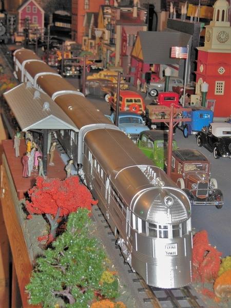 Rail King Flying Yankee Train Set 497kb
