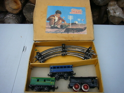 3-car clockwork passenger set w box